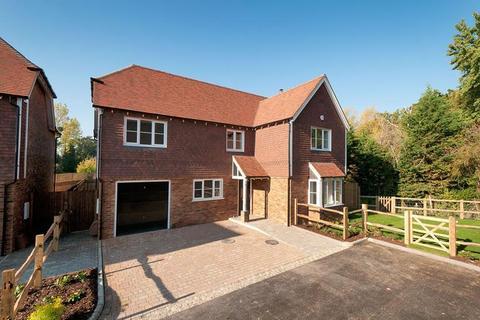 4 bedroom detached house for sale - Plot 2 , Fishers Paddock, Fishers Road, Staplehurst, Kent, TN12 0DD