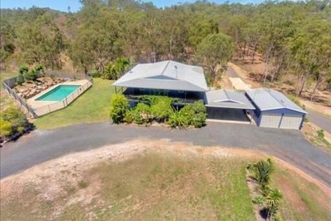 5 bedroom house  - 70 Stewart Road, BEECHER, QLD 4680