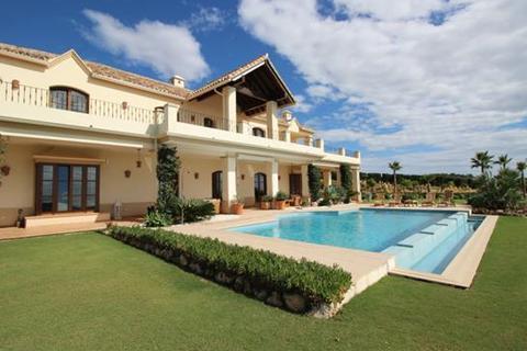 5 bedroom villa  - El Velerin, Estepona, Malaga