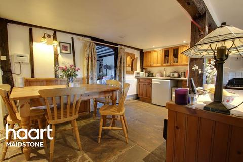 3 bedroom cottage for sale - Barkers Cottage, Dean Street, East Farleigh