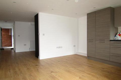 Studio for sale - Grasmere Parade, Wexham Road, Slough, SL2