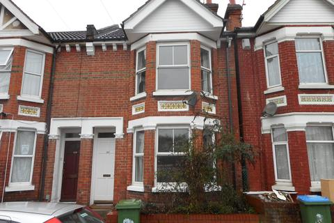 4 bedroom detached house to rent - Earls Road,