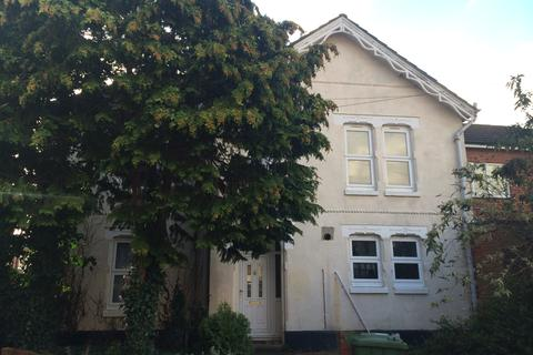 4 bedroom detached house to rent - Livingstone Road,