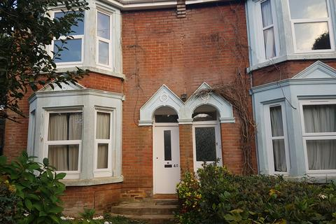 5 bedroom detached house to rent - Church Lane,