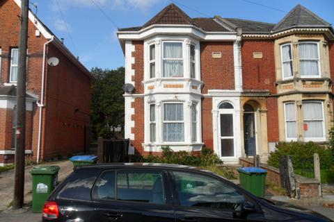 5 bedroom detached house to rent - Gordon Avenue,