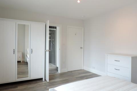 1 bedroom house share to rent -  Griffin Road ,  Plumstead, SE18