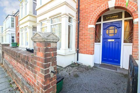 3 bedroom terraced house for sale - Hayling Avenue