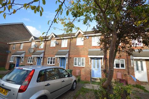 2 bedroom house for sale - St Georges Close, Thamesmead