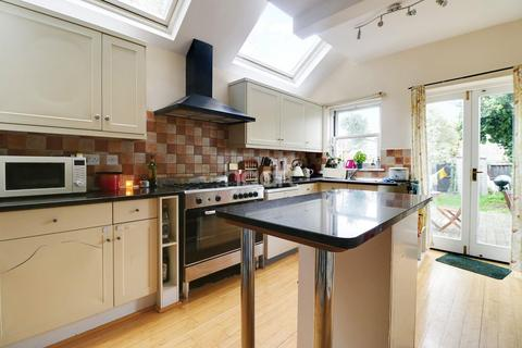 3 bedroom terraced house for sale - Thoday Street, Cambridge