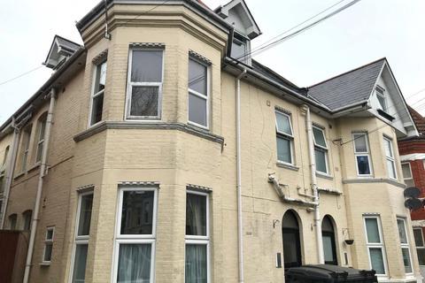 Studio to rent - Aylesbury Road
