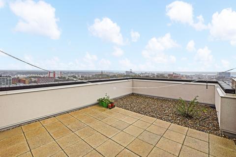 2 bedroom flat for sale - Park Walk, Southampton, SO14 7BL