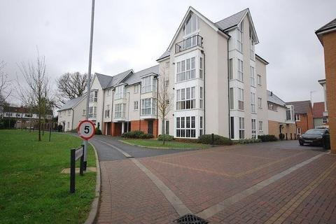 2 bedroom flat to rent - Lambourne Chase, Chelmsford, CM2