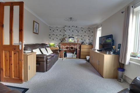 4 bedroom detached house for sale - Banbury Close, Northampton