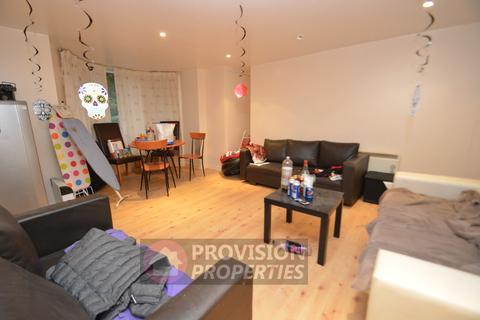9 bedroom terraced house to rent - Regent Park Terrace , Hyde Park , Leeds  LS6