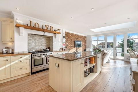 4 bedroom detached house for sale - Lenham Road East, Saltdean, Brighton BN2