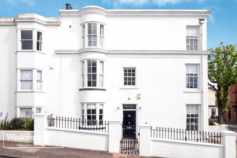 4 bedroom end of terrace house to rent - Victoria Street, Brighton, East Sussex, BN1