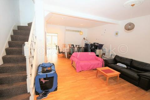 4 bedroom terraced house for sale - Perth Road, Ilford
