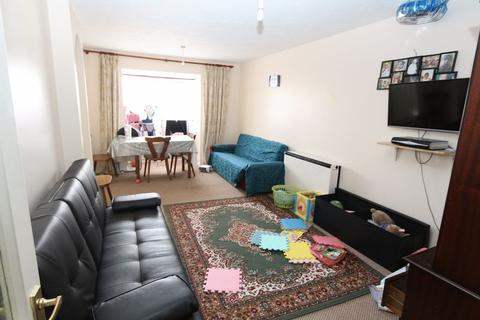 2 bedroom apartment for sale - Immaculate Purpose Built Two Bedroom (first floor)