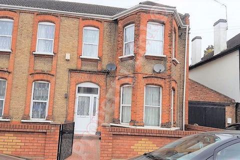 3 bedroom ground floor flat to rent - Valentines Road, Ilford