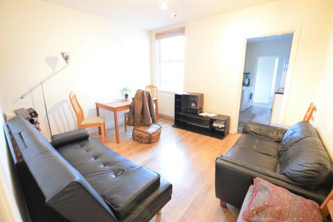 3 bedroom terraced house to rent - Thames Avenue