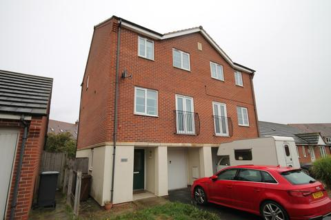 3 bedroom semi-detached house to rent - Victor Avenue, Melton Mowbray