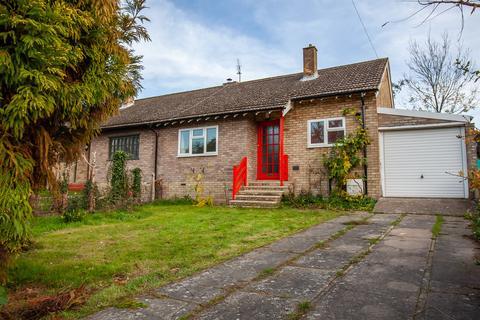 2 bedroom semi-detached bungalow to rent - Poplar Close, Great Shelford