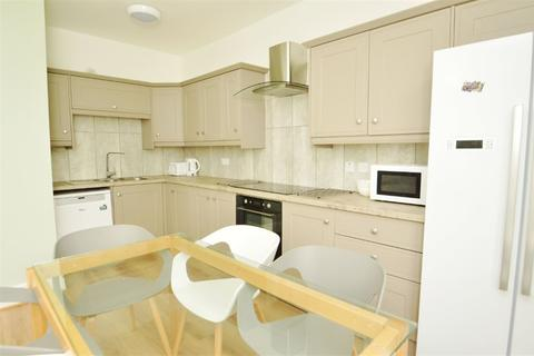 6 bedroom apartment to rent - AMHERST ROAD