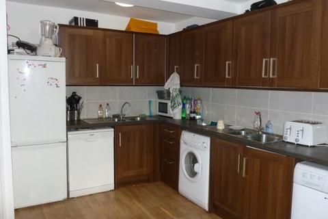 7 bedroom apartment to rent - EGERTON ROAD