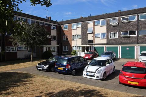 3 bedroom flat to rent - FURNISHED - NEXT TO HOSPITAL