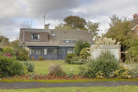 4 bedroom detached bungalow for sale - The Fairway, Westella