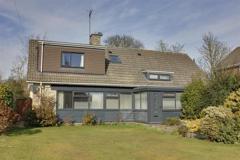 4 bedroom detached bungalow for sale - The Fairway, Westella