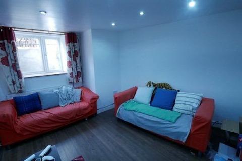 10 bedroom house to rent - Headingly Avenue, ,