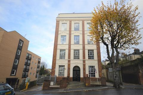 1 bedroom apartment to rent - The Deco Building, Coombe Road