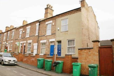 2 bedroom terraced house to rent - Chilwell Street, Nottingham NG7 1SB