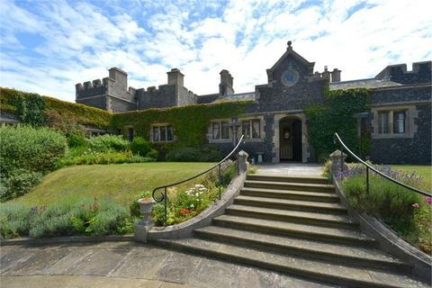 2 bedroom flat for sale - Kingsgate Castle, Joss Gap Road, Broadstairs, Kent