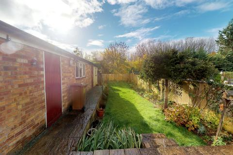 3 bedroom semi-detached house for sale - Rivermead Road, Rose Hill