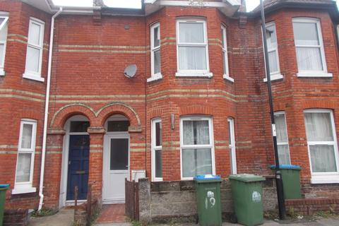 4 bedroom terraced house to rent - Thackeray Road