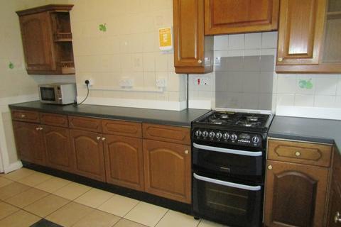5 bedroom terraced house to rent - Thackeray Road, Southampton