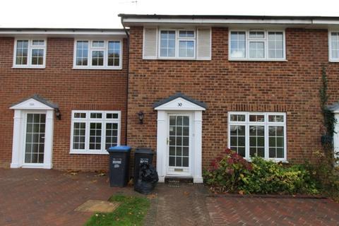 3 bedroom terraced house to rent - Church Close Burgess Hill RH15 8EZ