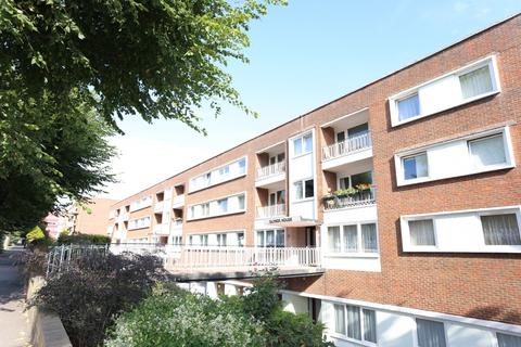 2 bedroom flat to rent - Palmeira Ave, Hove