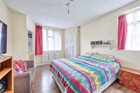 Property for sale - Tudor Close, Brixton Hill, Brixton