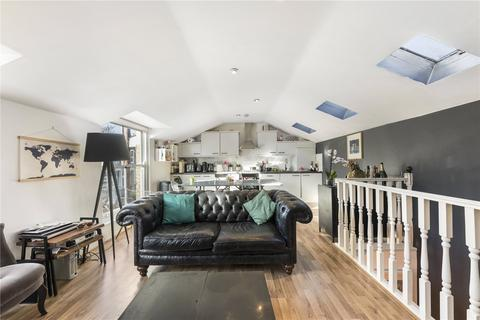 2 bedroom house for sale - Alloway Road, Bow, London, E3