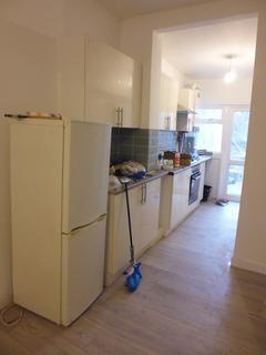 2 bedroom flat to rent - Upper Tooting Road , Tooting bec, London , Tooting  SW17