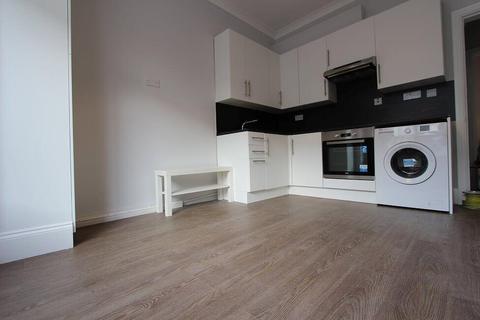 1 bedroom flat to rent - Vale Grove, Acton, W3 7QP