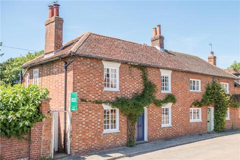 3 bedroom semi-detached house to rent - High Street, Weedon, Aylesbury, Buckinghamshire, HP22