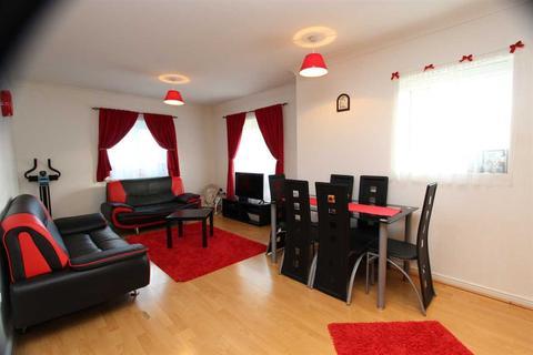 2 bedroom apartment to rent - Windermere Avenue, Purfleet