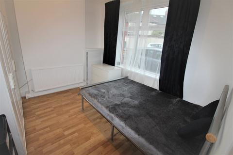 3 bedroom house to rent - Holmesdale Street, Grangetown , Cardiff