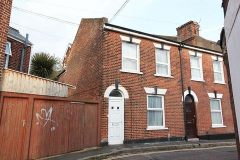 3 bedroom end of terrace house to rent - Old Park Road, Exeter
