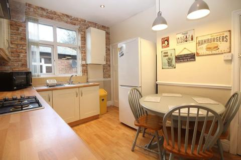 3 bedroom flat to rent - Shaftesbury Grove, Newcastle Upon Tyne