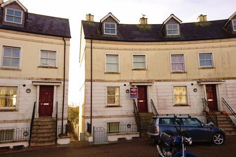 3 bedroom terraced house to rent - 66 Royffe Way, Bodmin